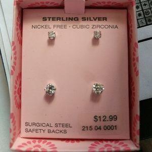 💎New In Box Cubic Zirconia Stud Earrings